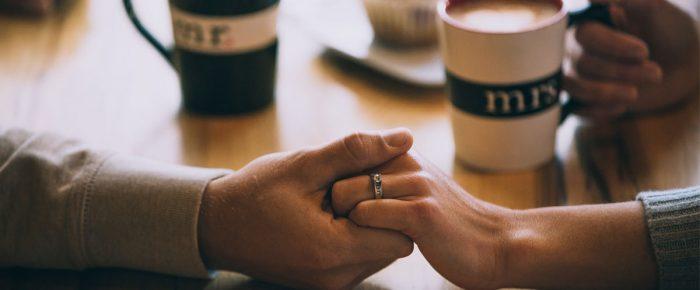 Vsakodnevna čustvena sporočila, ki krepijo partnerski odnos